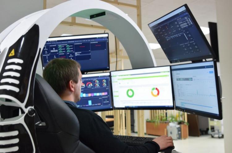 Acadir certifié ISO 9001 ! Le spécialiste de la maintenance informatique prédictive ne ressent pas la crise économique et bénéficie d'une croissance toujours très soutenue. Sa technologie pointue accélère avec la crise sanitaire son offre en télétravail et travail collaboratif.